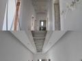 Таван с лунички в коридор преди и след монтажа.