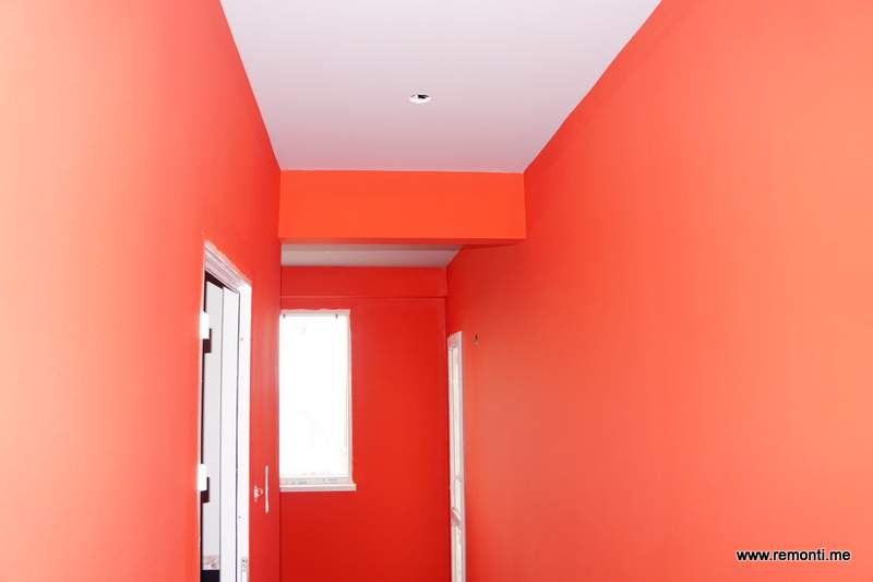 Боядисване на коридор и окачен таван.