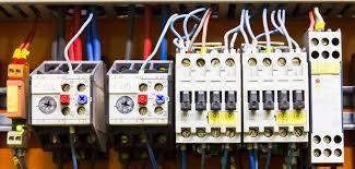 Ел-услуги-монтаж-на-табло-монтаж-ключове-контакти-прокарване-на-кабели-слаботокови